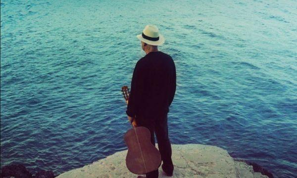 """DAVID GILMOUR        A cinque anni dall'ultimo album               Esce il nuovo singolo         """"YES, I HAVE GHOSTS"""""""