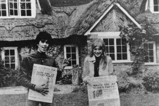 E' il 12 Febbraio  1967, Sussex,   Keith Richards ha acquistato un anno fa Redlands