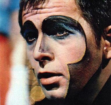 prima Genesis  poi  solista: 71 anni fa nasceva Peter Gabriel